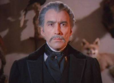 Christopher Lee in Franco's Count Dracula. That's one happy fox behind him.