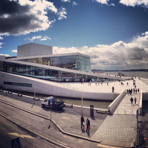 Oslo Opera House #operahouse #opera #operahuset #oslo #oslove #igoslo #norway #ilovenorway #ignorway #norway2013 #norwaylovers #norwaytrip #norwaypics #norwayswag #oslogram #osloswag #instagood #instagram #photo #photography #photooftheday #picoftheday #instago #igdaily #instadaily #webstagram #iphone4s #igoftheday (presso Operahuset)