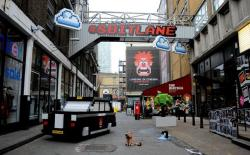 London's Brick Lane is transformed into 8 Bit Lane to celebrate the release of new Disney movie Wreck-It Ralph.  The installation includes a London taxi, a leaking water pipe, clouds and the world's first blipp-able building using Blippar's visual discovery app