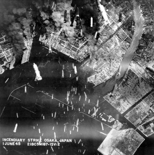 demons:  An incendiary strike on Osaka by a B29 of the 330th BG, 1 June 1945