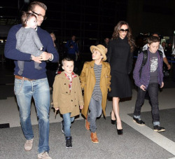 scattercake:  The Beckhams are such a cute family. And so very stylish.