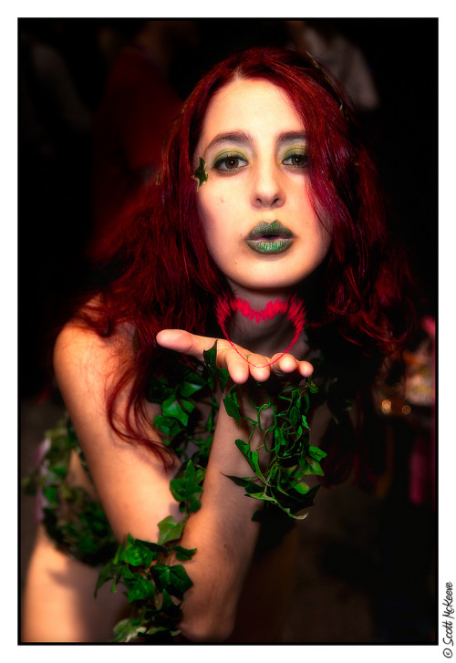 Rose Palmer as Poison Ivy at WonderCon 2013 (by Aduros)