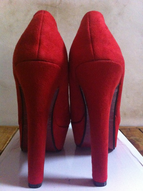When in doubt wear a pair of Red High Heels <3