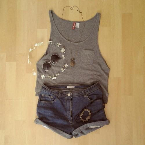 Photos du journal | via Facebook on We Heart It - http://weheartit.com/entry/61393996/via/soniaussty   Hearted from: https://www.facebook.com/photo.php?fbid=420576401383281&set=a.229261203848136.52216.229254687182121&type=1&relevant_count=1