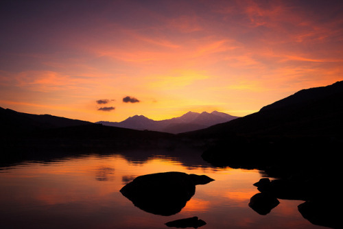 Llynnau Mymbyr Snowdon Sunset on Flickr.Went over to Snowdonia yesterday (on what must be the first sunny day of 2013) and caught this sunset at Llynnau Mymbyr