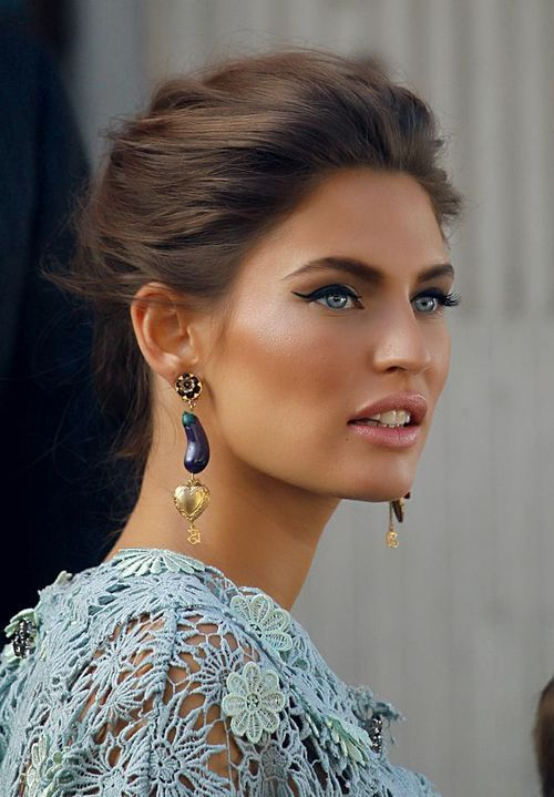 vsangels-andmodels:  vs-angelwings:  WOW!  so gorgeous