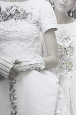 pivoslyakova:  Backstage details at Chanel | Resort 2013