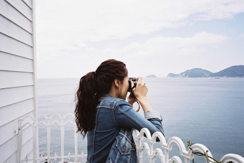 pe-trina:  FUJIFILM KLASSE-W KODAK 250D 22 by agnesloveurope on Flickr.