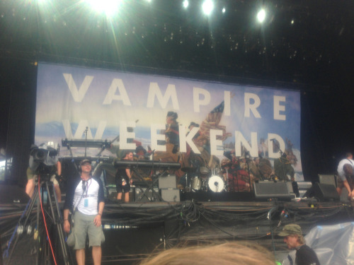 New vampire weekend backdrop!