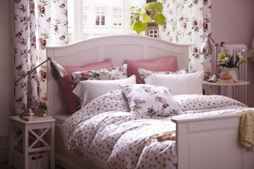 myidealhome:   flower power by Ikea : Easter special edition (via Pinterest)
