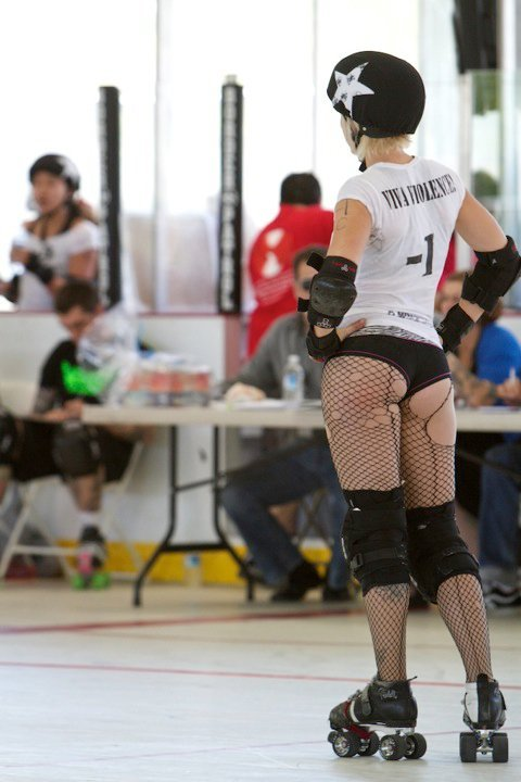 rollerderbybutts:  Viva Violence - Mission City Brawlin' Betties