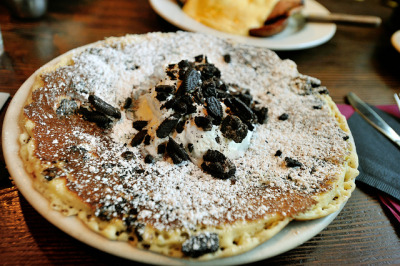 Oreo pancakes by cheesekid on Flickr.