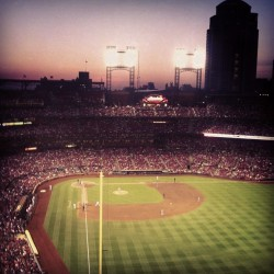 The Stadium at 8pm #american #baseball #busch (at Busch Stadium)