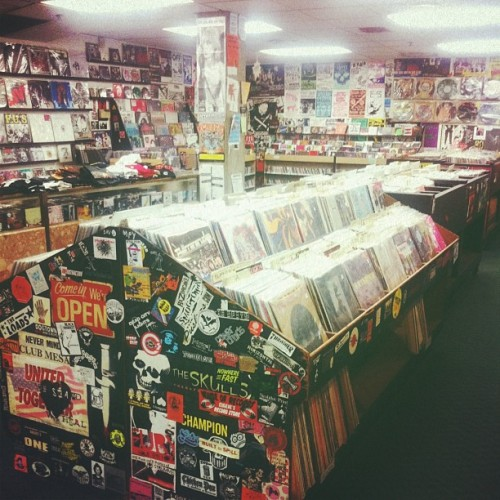 tomxvincent:  This is what heaven should look like. (at Singles Going Steady)