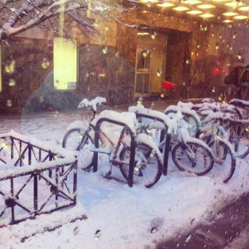 This is out the window from the bus on my way home.. #bikechi #snowbike