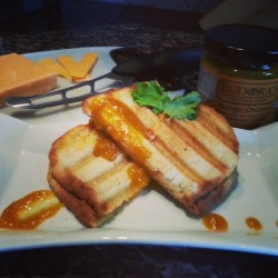 Mango chutney grilled cheese #realfood #CurryForAll