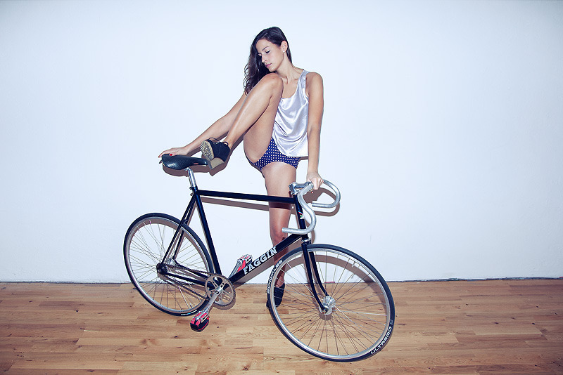 Heels and wheels (via Faggin (by Obi Wolf) - Faggin Fixie | LOOKBOOK.nu)