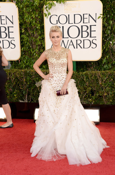 Golden Globes 2013 whatdidshewear:  Julianne Hough Dress: Monique Lhuillier Clutch: Salvatore Ferragamo