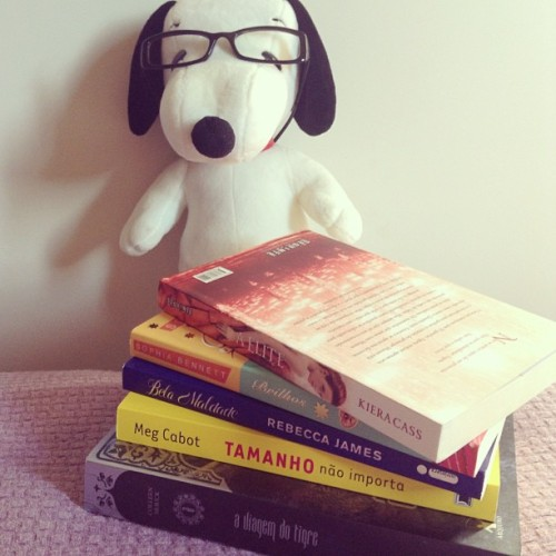 :3 #book #snoopy #reading #blog #stuckonthem