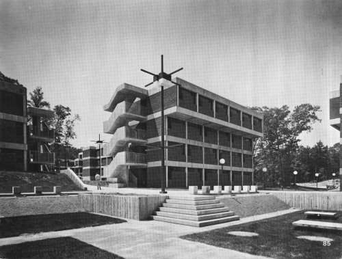 fuckyeahbrutalism:  Residence Halls, State University of New York at Stony Brook, 1968-70 (Gruzen + Partners)  View this on the map