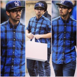 My nerdy boy looks handsome . 👓💙💍 || #joejonas #jonasbrothers #shopping #ny #handsome #plaid #snapback #nerd #glasses #street #blue