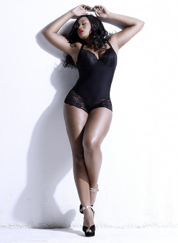 The beautiful Liris Crosse is this month's Model Spotlight check her out on the blog