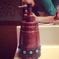 My friends soap dispenser looks like a dalek #doctorwho #dalek