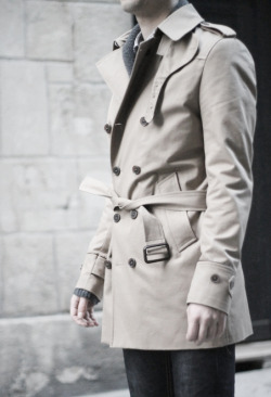 bella-illusione:  Trench for men