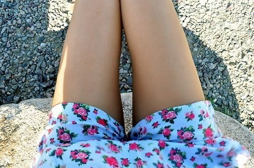 alalae:  My flower shorts make me happy  sophiejayne98.tumblr.com I ALWAYS FOLLOW BACK! xxxxxxxx
