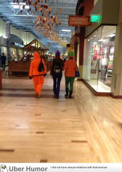 omg-pictures:  Saw these people at the mall todayhttp://omg-pictures.tumblr.com