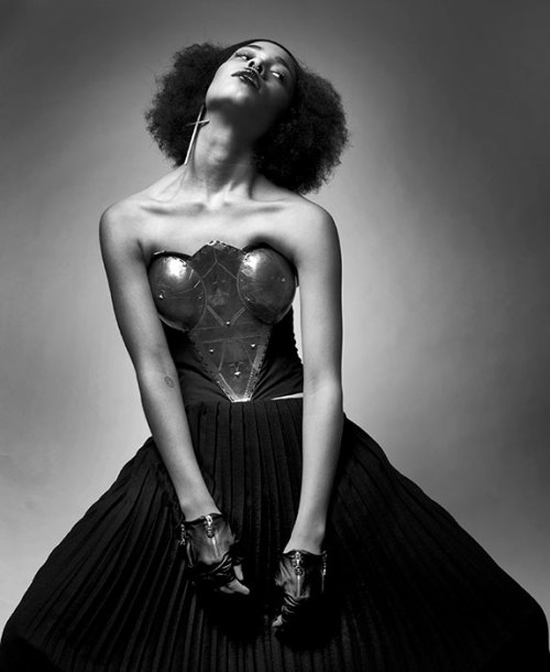 blackfashion:  GIRL YOU SHOULD KNOW for GODS MAGAZINE PHOTOGRAPHY Matthew Pandolfe FASHION EDITOR Soukéna Roussi MAKE UP Imane HAIR Helena MokeMAKEUP Imane Fiocchi MODEL India Christin Lane@FordJacket, vintage. Necklace, TopShop. SOURCE: godsmagazine.com