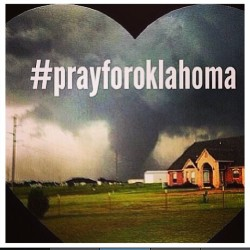 #Prayforoklahoma #world #be #aware #of #whats #going #on #keepyaeyesopen #mindsopen smh man