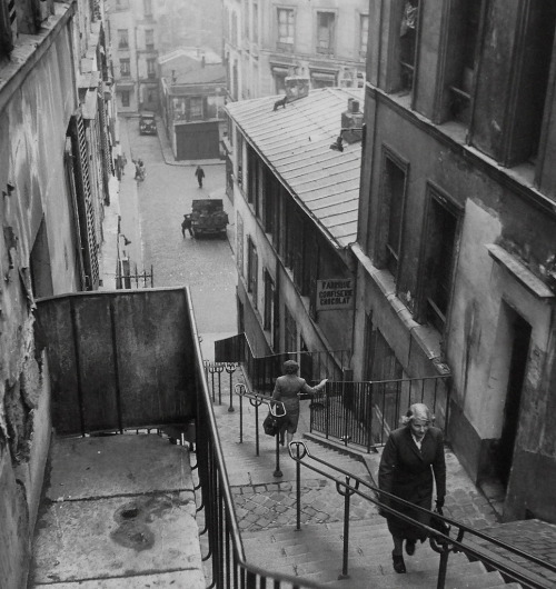 Paul Almasy  Steps to Montmartre, 1947