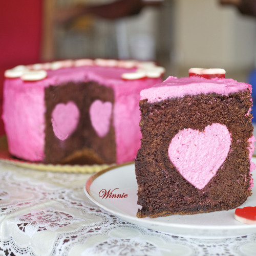 foodfuckery:  Chocolate Cake with Strawberry Mousse Heart