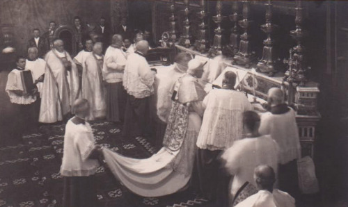 smellsandbells:  Pope St. Pius X celebrating mass in the Sistine Chapel, 1908. Photo found on the Saint Bede Studio Blog.