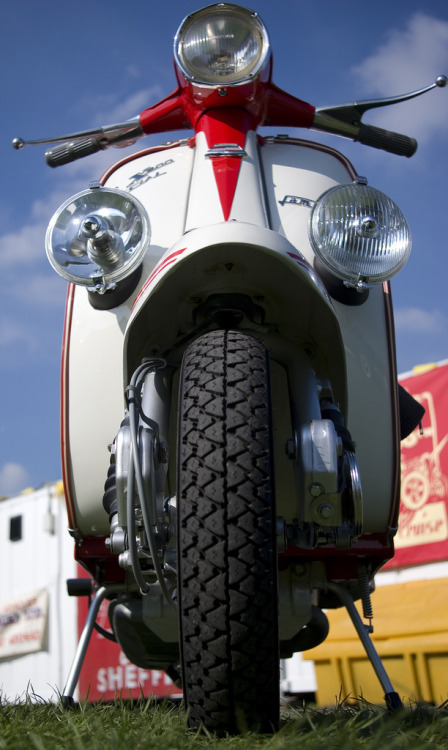 oldscoot:  Lambretta SX200 Photo by Sheffield Tiger via flickr
