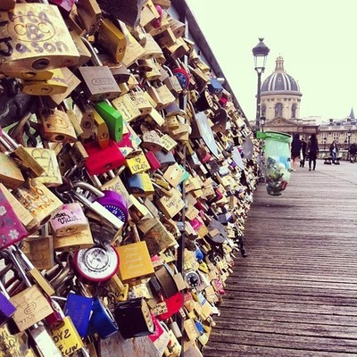 Lovers Bridge | via Tumblr on We Heart It - http://weheartit.com/entry/62060594/via/annamthrfckr   Hearted from: http://jordanrisa.tumblr.com/post/50457497597/lovers-bridge-paris-at-pont-des-arts