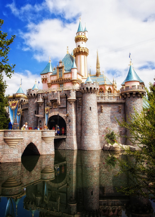 scentofapassion:  Disneyland - Sleeping Beauty Castle by Cory Disbrow