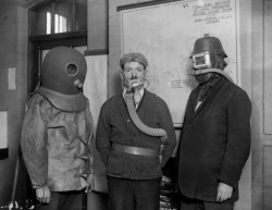 Are you my mummy?  (via An Illustrated History Of Gas Masks)