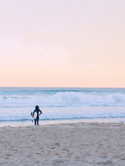 surfer wave beach sunset tropical noosa photography australia nature explore ocean sunshine beach