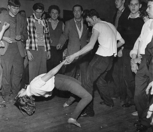 "bastardkeaton:  Dancing at a London jazz club, 1950s. These young jazz fans/""beatniks"" in Britain became the precursor to Mods."