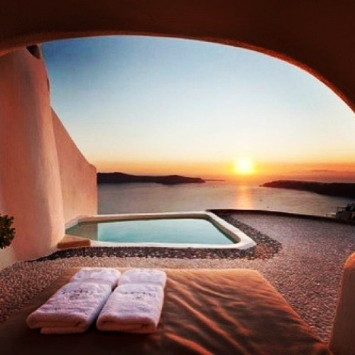 I wish my home like this,can see sunset and sea #imaginaryhome #scenery #sunset #sea #beautiful #iphone4 #iphonegraphy #igramers #instagram #instalovers #instaaddict #photooftheday #populars