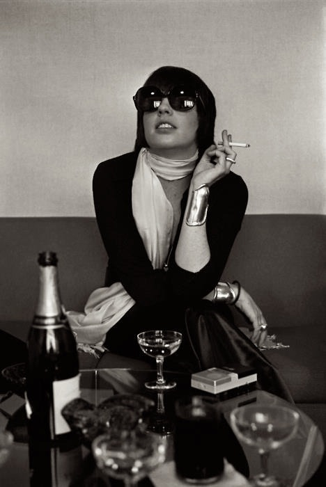 christopherniquet:  liza minnelli with elsa peretti cuffs