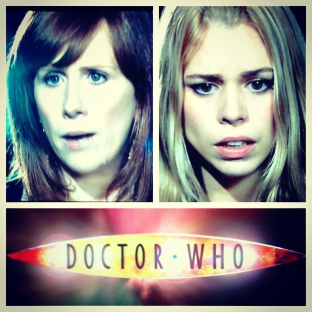 Late night Doctor #turnleft #turnright #rosetyler #doctorwho #netflix