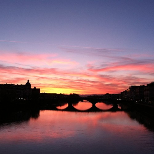 A sunset for our last night in Florence #beautiful #nofilter #lovethiscity