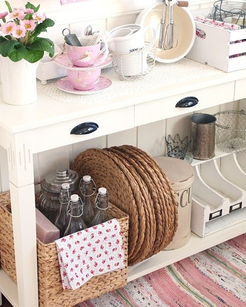 myidealhome:   shabby cute (via pinterest)