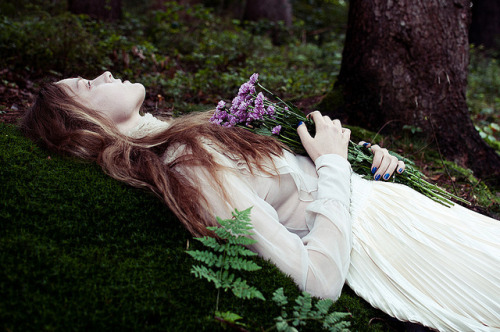 breathethefullest:  ophelia by mariehochhaus on Flickr.