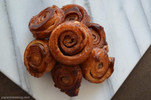 Mm, easy and delicious cinnamon rolls. RECIPE!