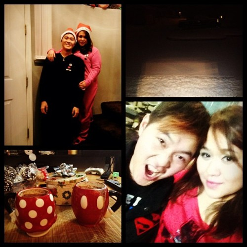 Christmas 2012 :) ❤💏💋via @frametastic#whitexmas#hotcholate#cakepops#cookies#fatties#mickey&minnie (at Home)