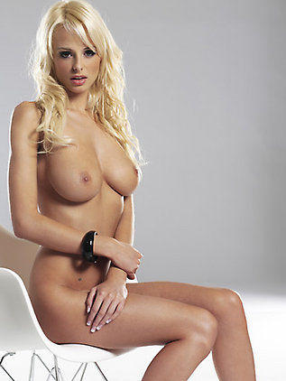 welcometoboobsville:  Rhian Sugden